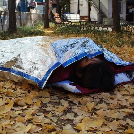 emergency-sleeping-bag-silver-6